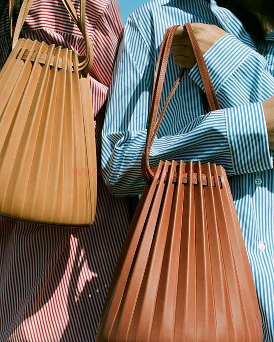 Guangdong Handbag factory: Pleated bucket bag looks so pretty!